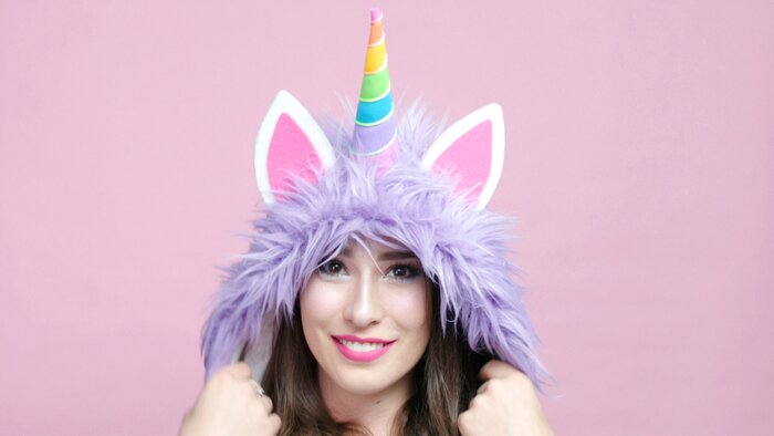 Make your halloween majestic with this diy unicorn hoodie hellogiggles make your halloween majestic with this diy unicorn hoodie solutioingenieria Image collections