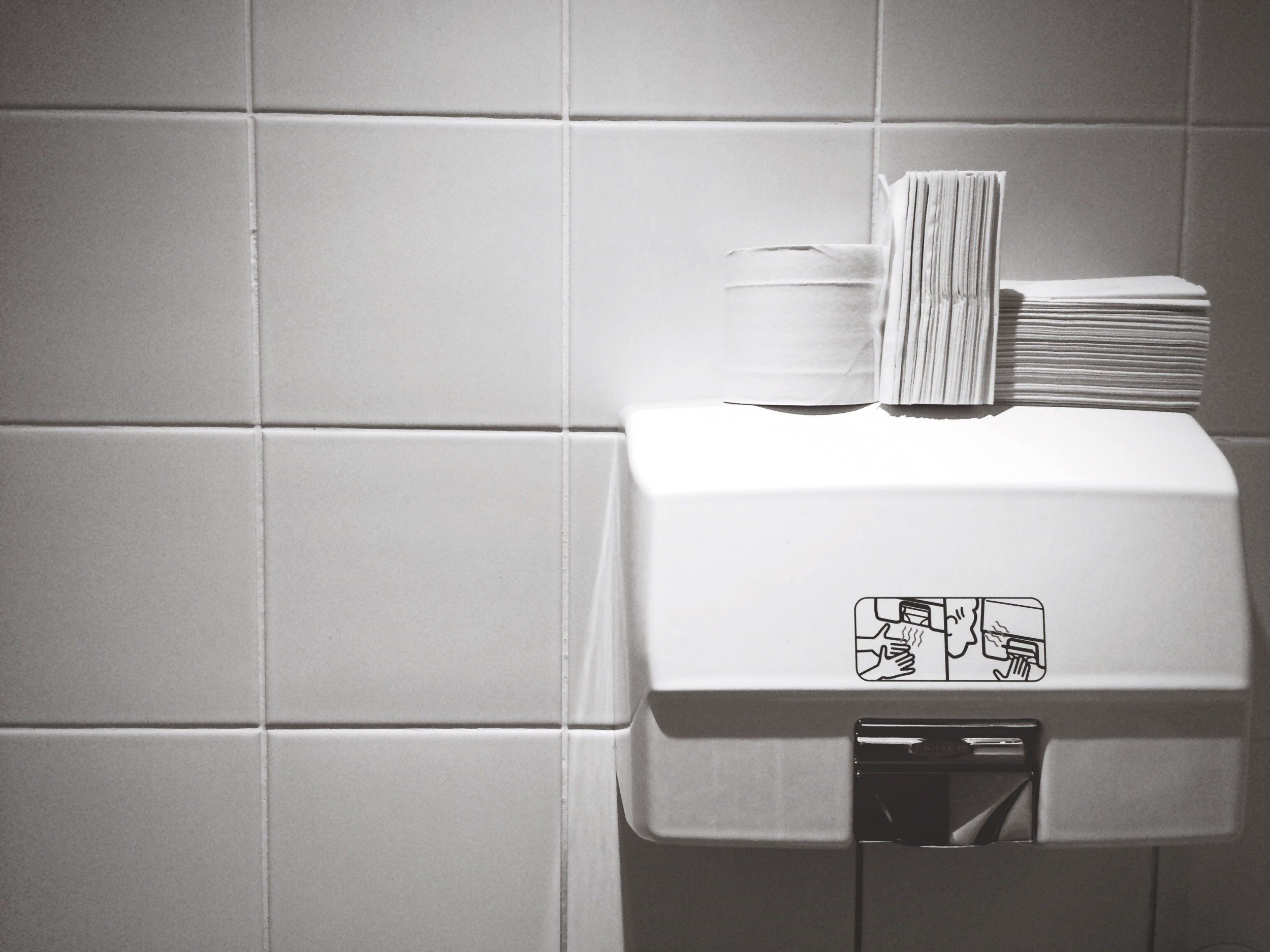 Hand Dryers In Public Bathrooms Spray Fecal Matter On Your Hands