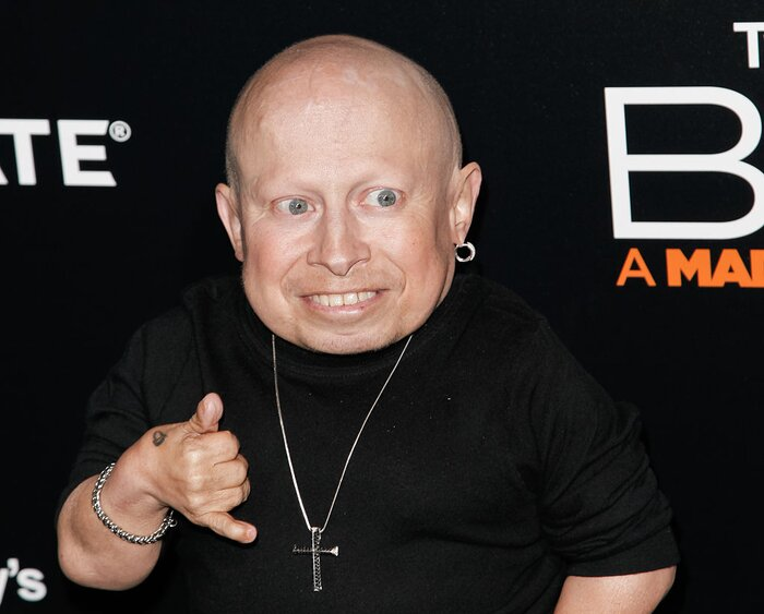 Verne troyer has sadly passed away at the age of 49 hellogiggles tibrina hobson getty images bookmarktalkfo Image collections