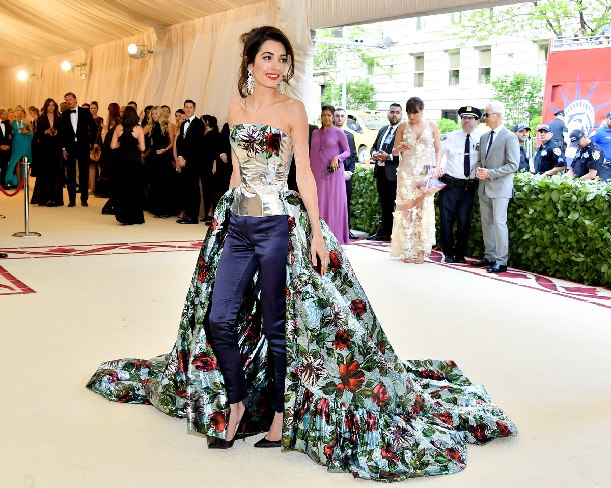 George and Amal at Met Gala Image?url=https%3A%2F%2Fimages.hellogiggles.com%2Fuploads%2F2018%2F05%2F07152503%2Famal-clooney-front