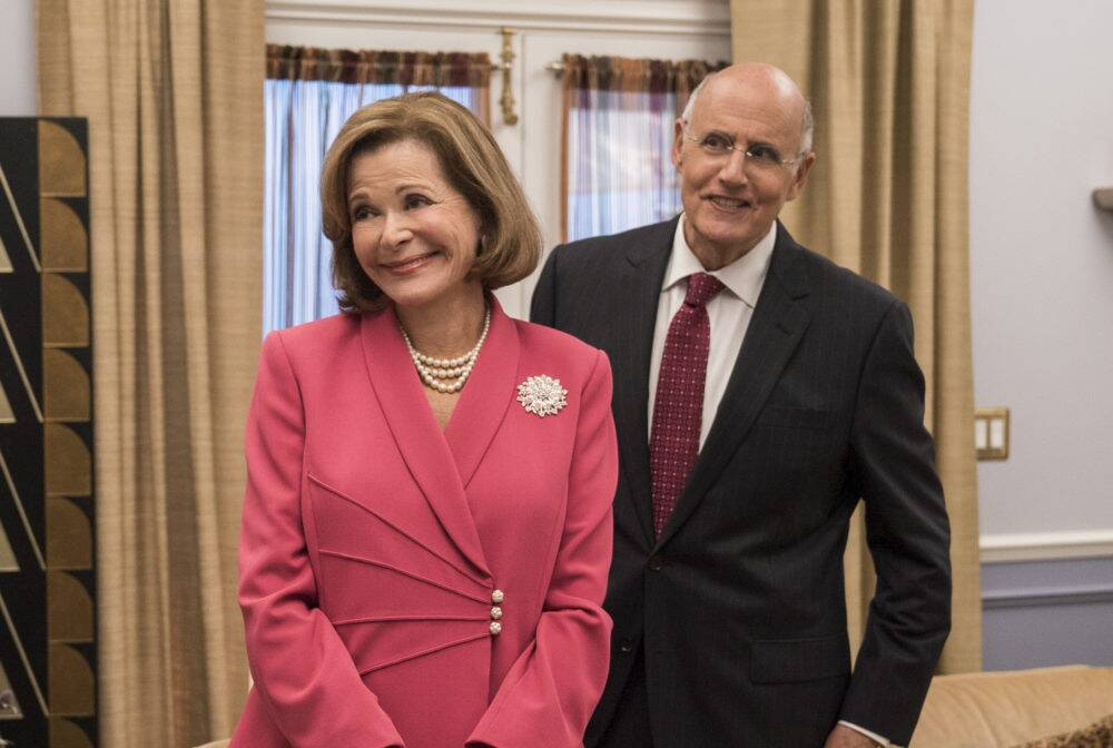 arrested development creator opens up about jessica walter