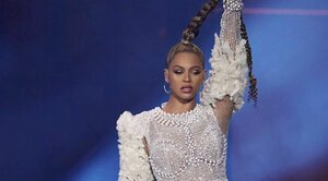 f0cd0911a090f  hairgoals · Beyoncé reportedly chopped off her long braid during the ...