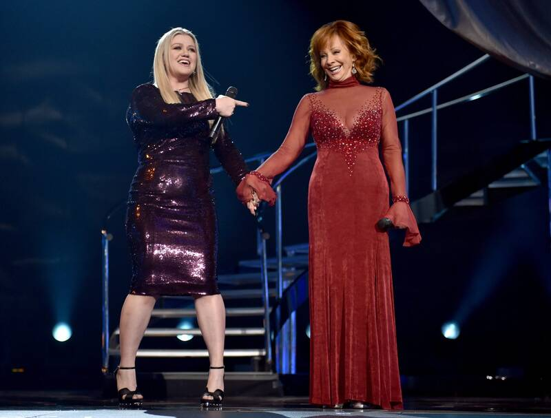 Reba McEntire Wears Famous Red Dress at 2018 ACM Awards - Southern ...