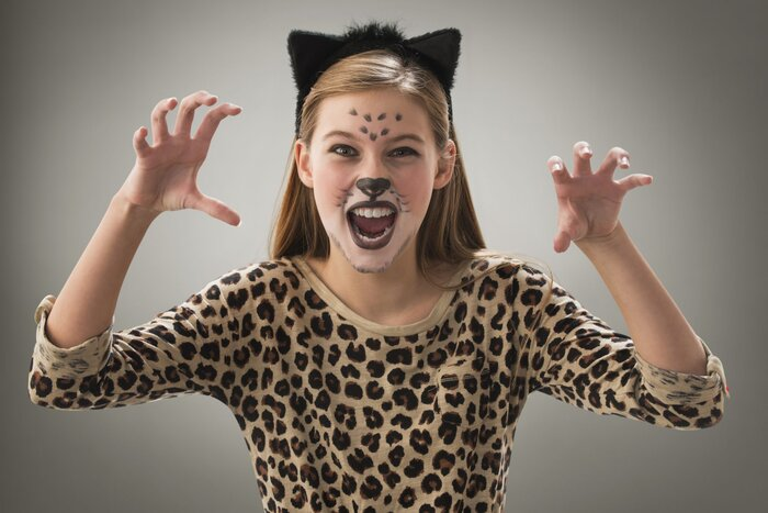 5 Halloween Makeup Ideas That Are Actually Easy - Southern Living