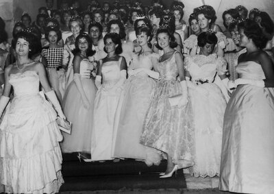 Whats Appropriate Attire For Guests Attending A Debutante Ball
