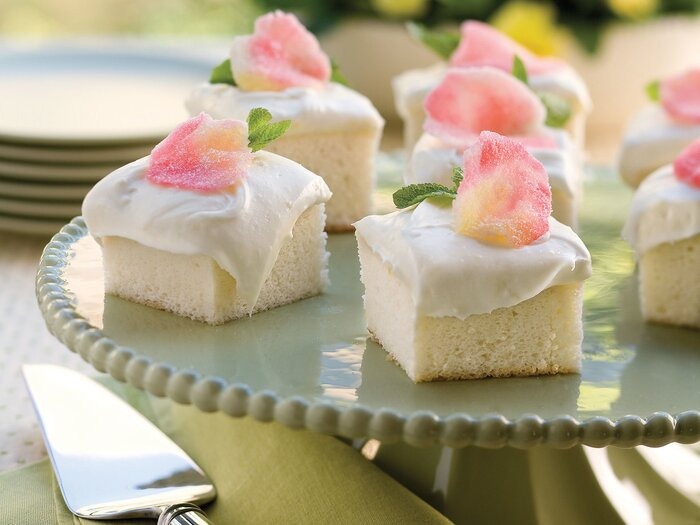 Sweet and pretty angel food cake southern living heavenly angel food cake forumfinder Gallery