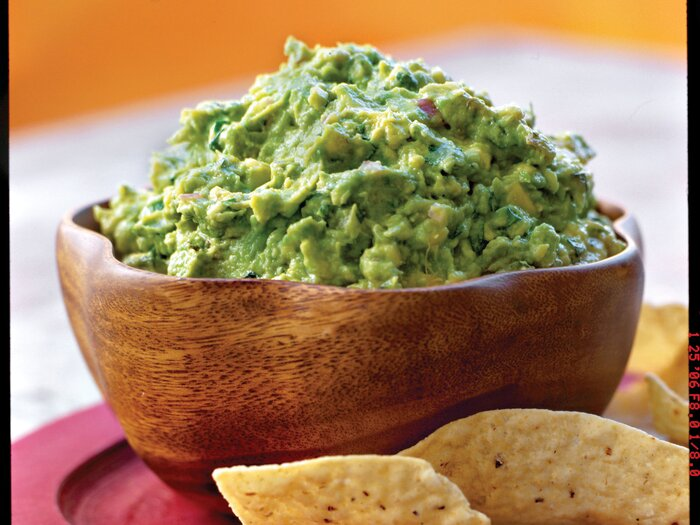 Our favorite easy guacamole recipe southern living guacamole recipe forumfinder Images