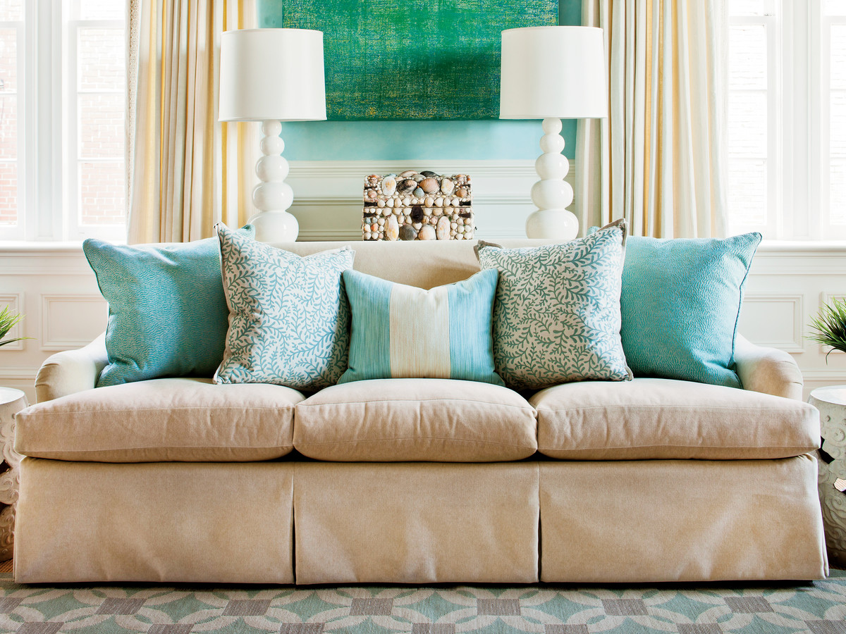 how to arrange sofa pillows - southern living Couch Pillows