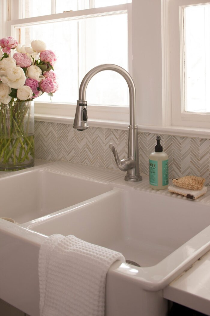 Avoid These Kitchen Sink Sins - Southern Living