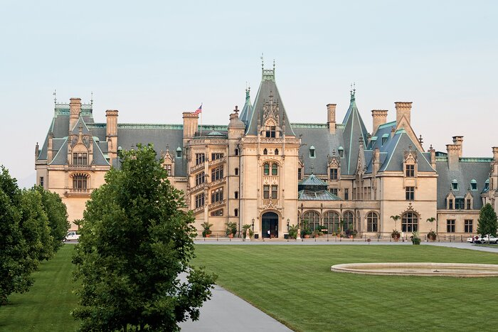 George Vanderbilt Constructed The Largest Private Residence In United States Foothills Of Blue Ridge Mountains House And Gardens Have