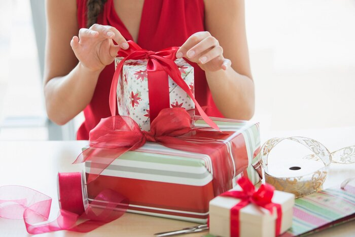 How to Wrap Holiday Gifts - Southern Living