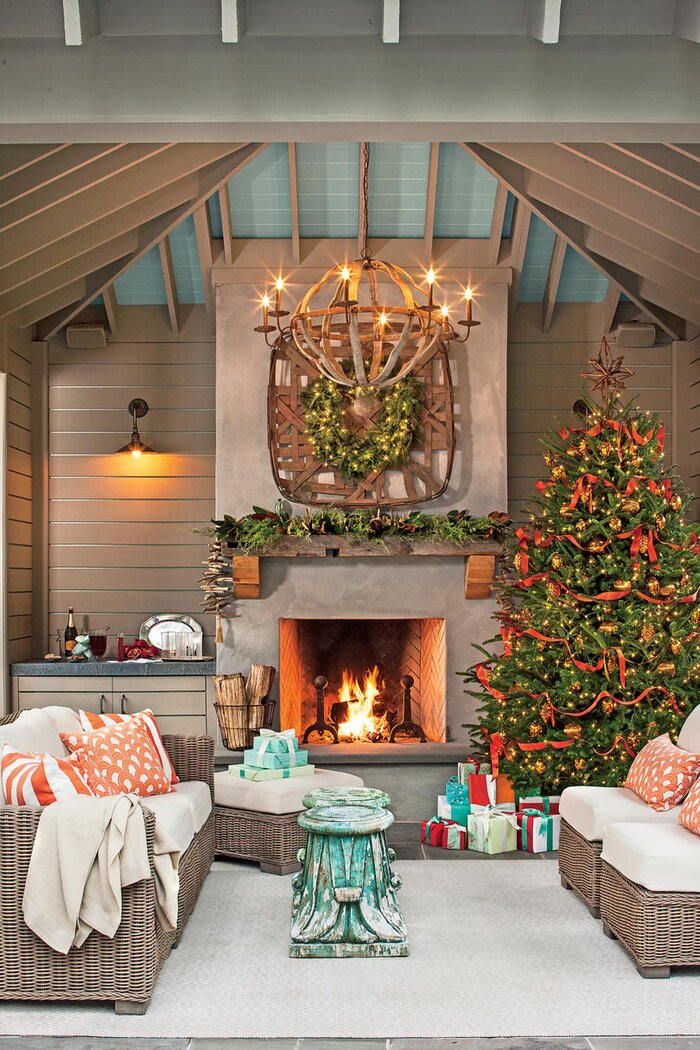 100 fresh christmas decorating ideas southern living set a holiday scene in your outdoor room solutioingenieria Gallery