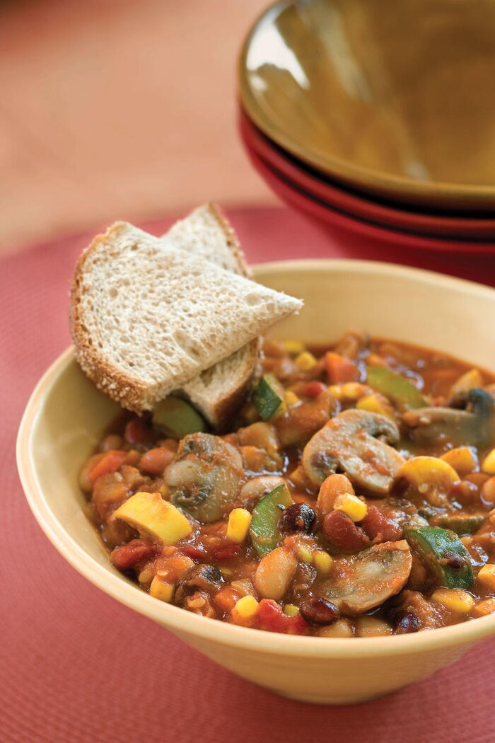 Vegetarian slow cooker recipes southern living slow cooker veggie chili forumfinder Choice Image