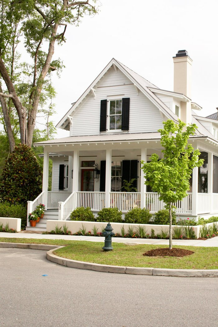 Historic Lowcountry Cottage With Modern Amenities - Southern Living