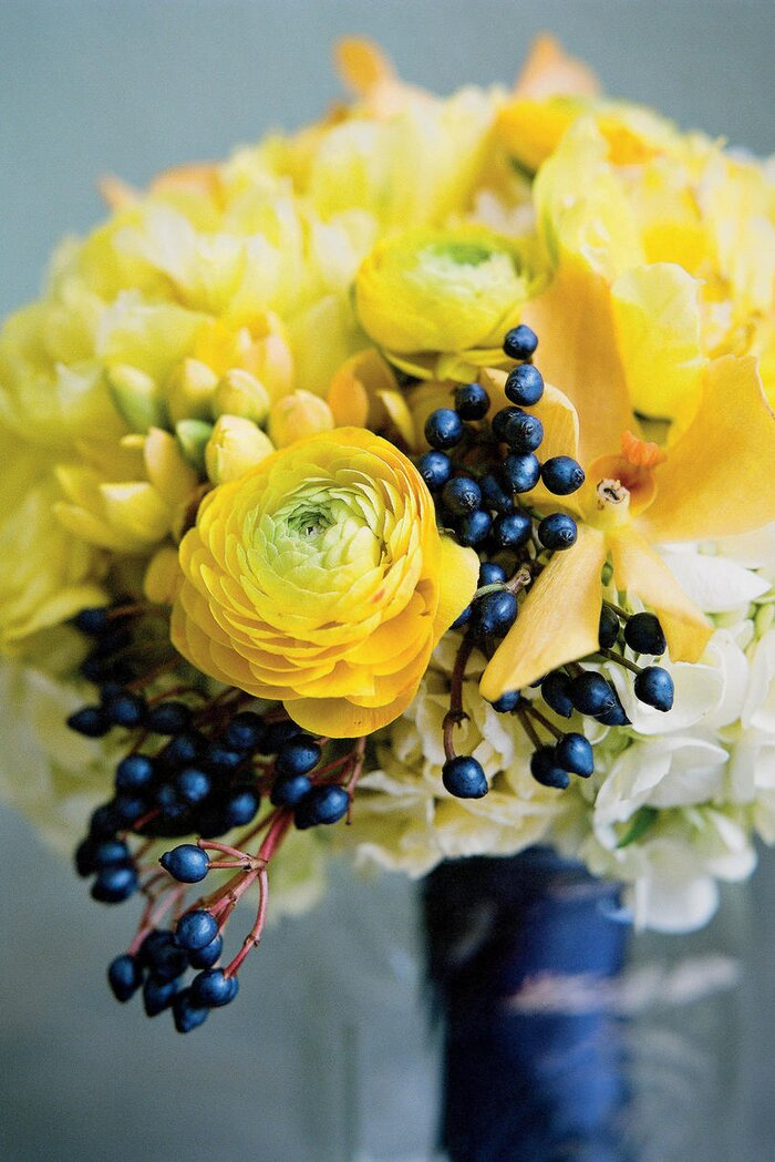 Blue wedding flowers southern living bold sapphire berry bouquet junglespirit
