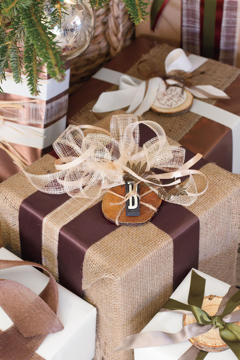 christmas decorating ideas burlap gifts