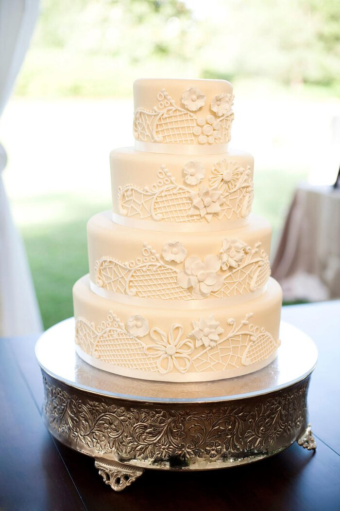 White wedding cakes southern living white wedding cakes junglespirit Images