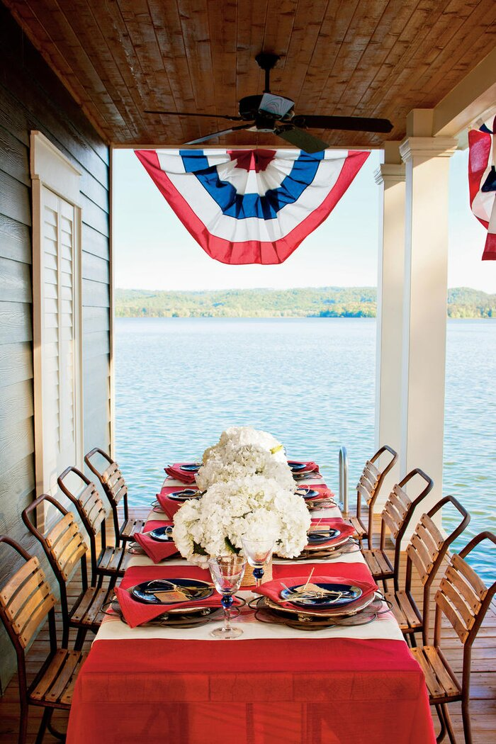 A Patriotic Table Setting - Southern Living