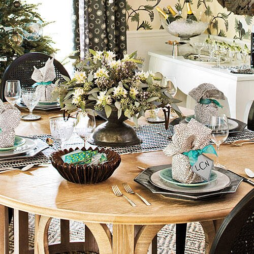 Christmas Table Decorations Silver And Sage Settings