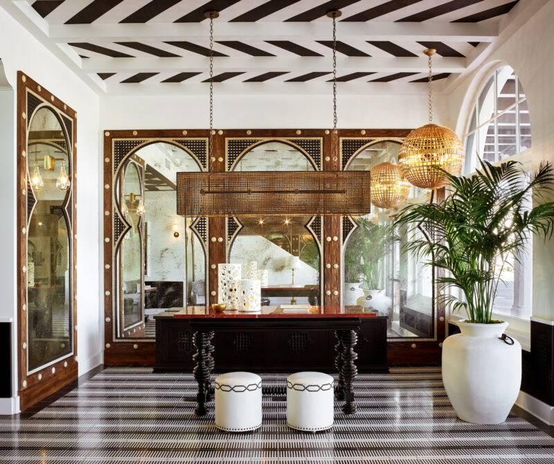 Hotel Californian Lobby