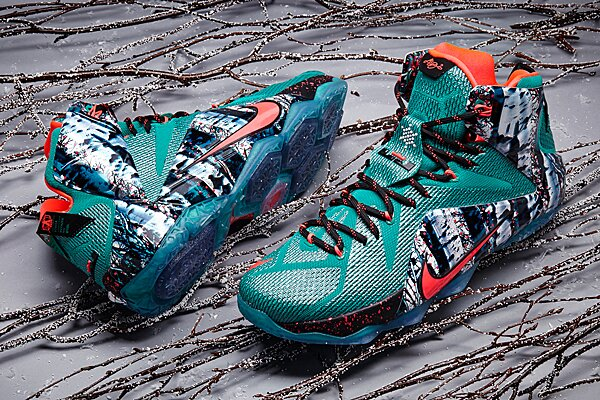 c034b0d953a1 Nike unveils Christmas sneakers for LeBron James