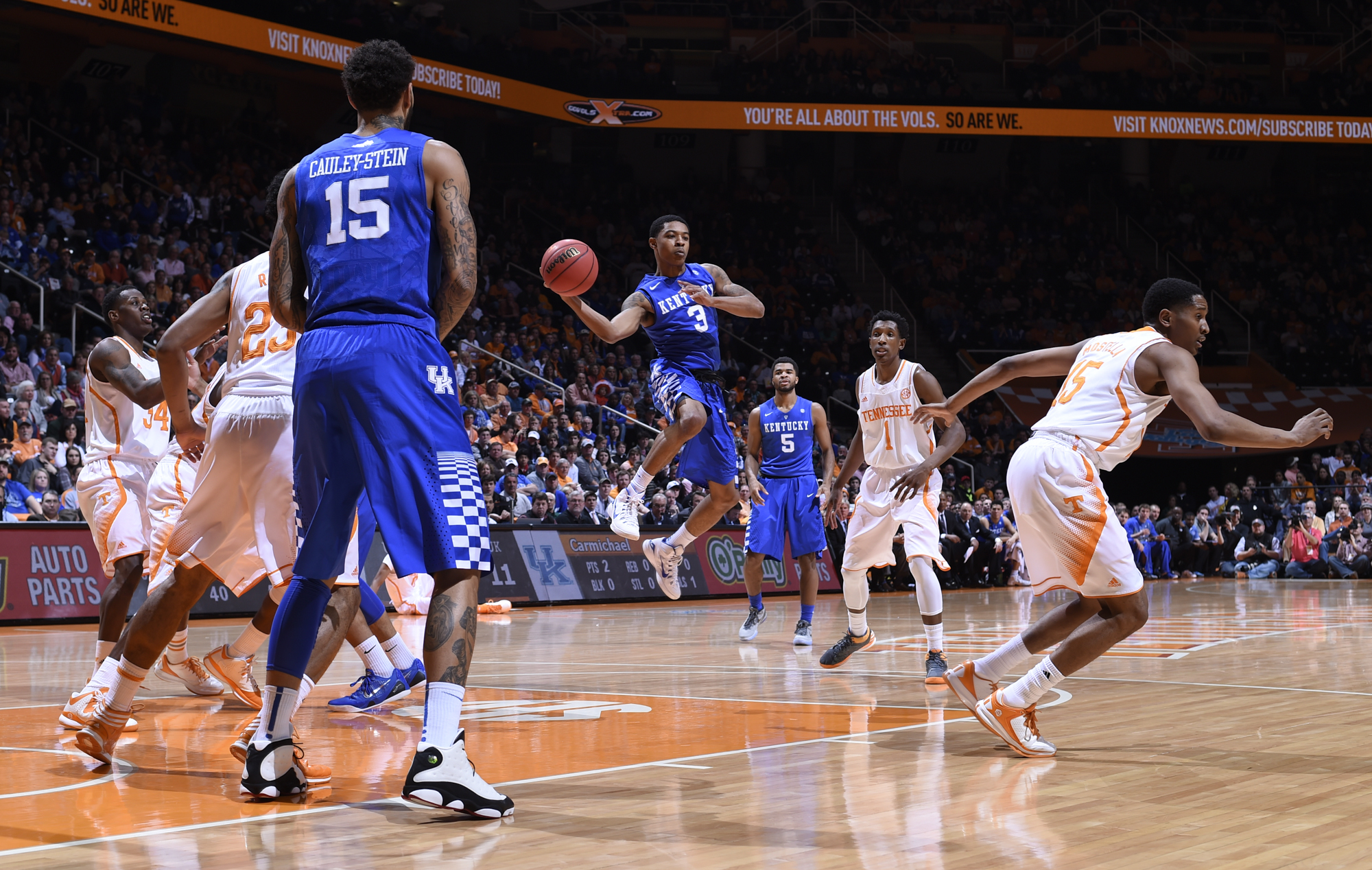 College Basketball Can Anyone Beat The Kentucky Wildcats: Kentucky Wildcats Beat Tennessee For Best Start In School