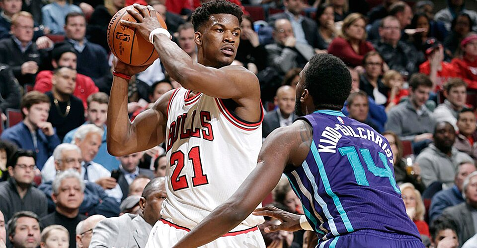 Bulls mentally drained, concerned with Derrick Rose's knee ...