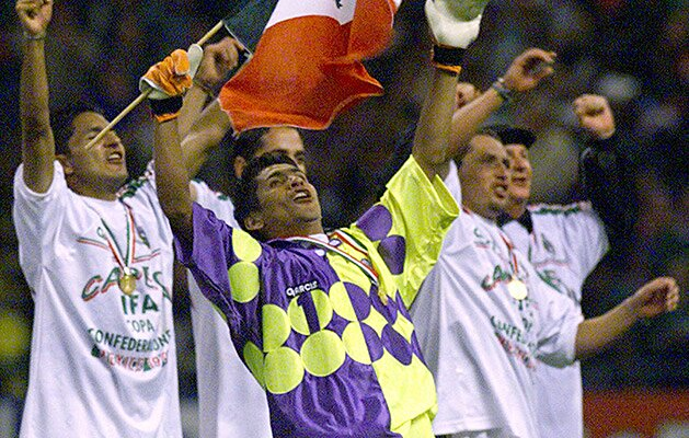 f273c0f1e Jorge Campos  Mexican goalkeeper reflects on soccer career