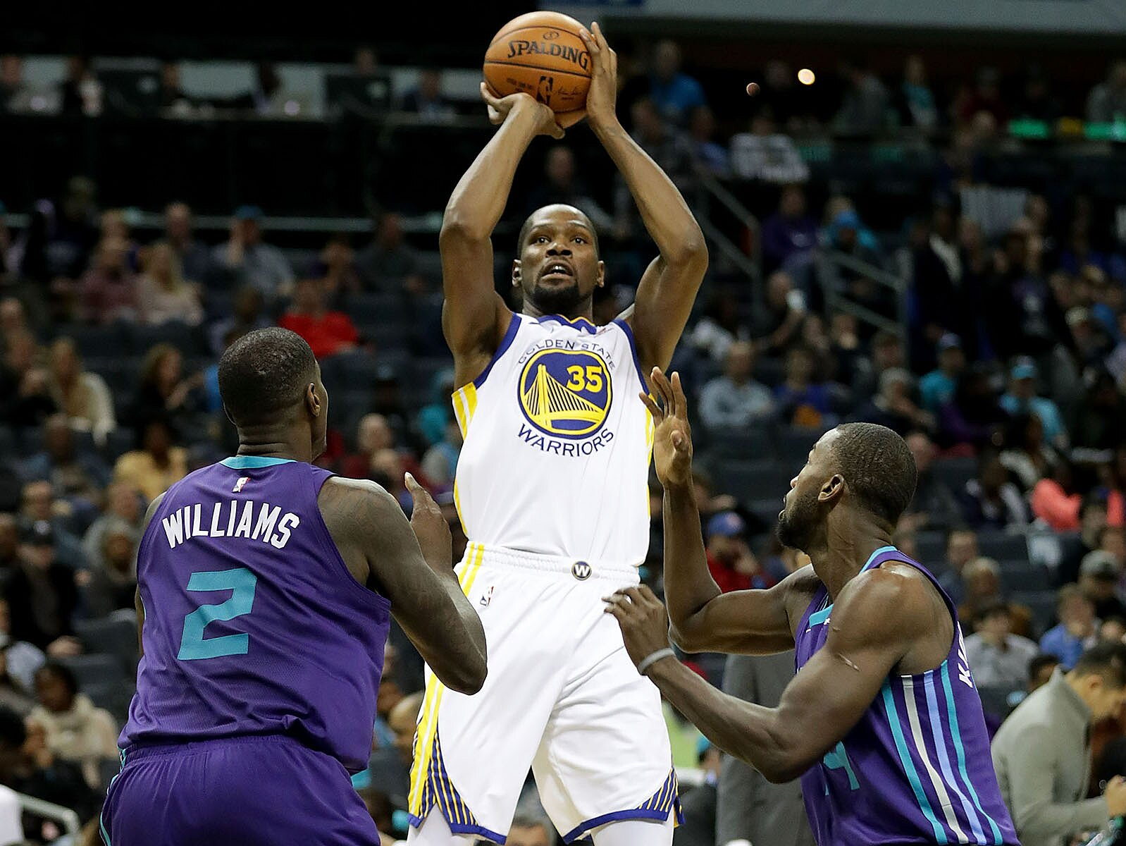 11576291d1c Stephen Curry s Injury Opens Door for Kevin Durant s MVP Run