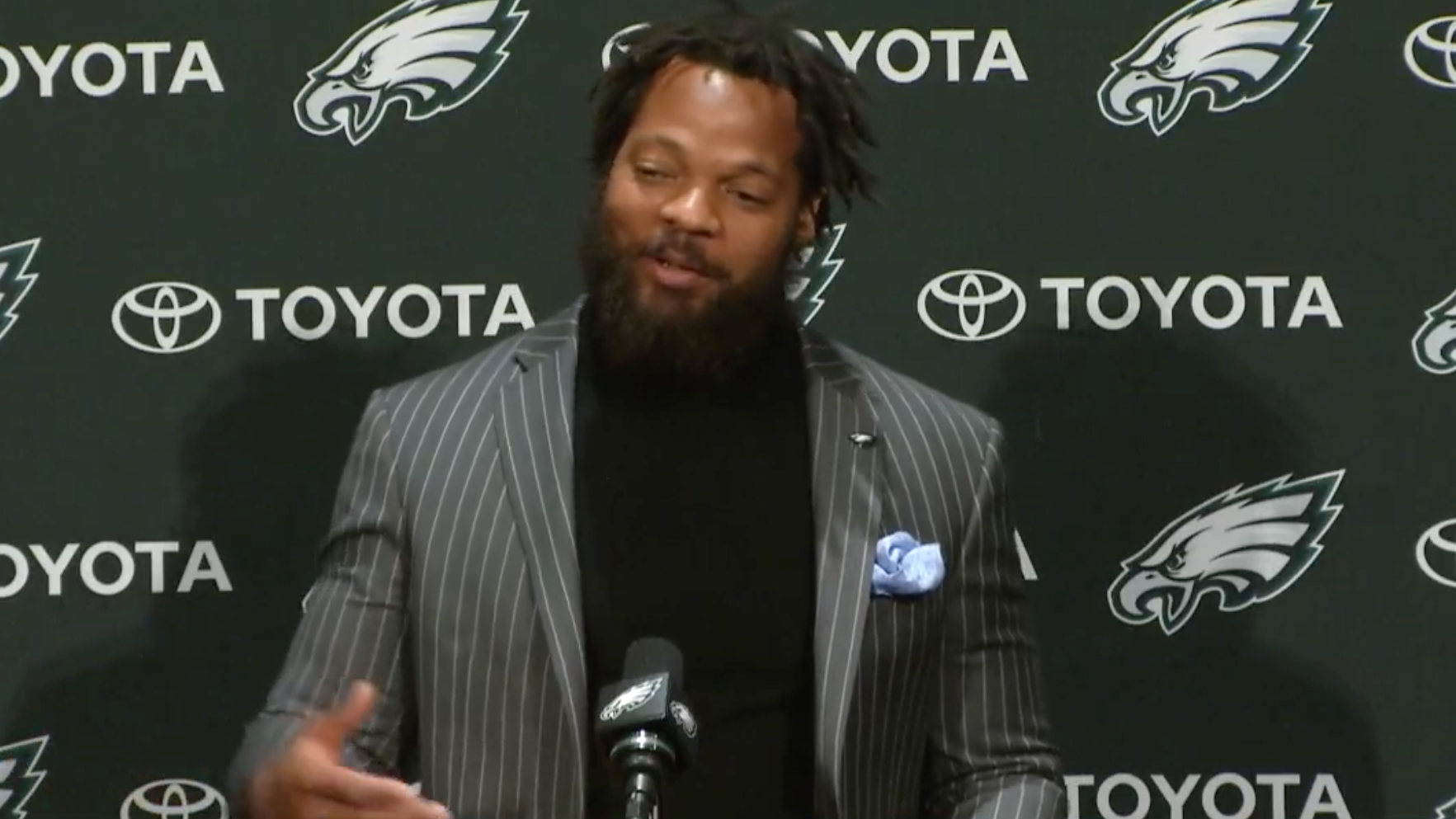 Eagles-michael-bennett-nfc-east-quarterbacks-press-conference