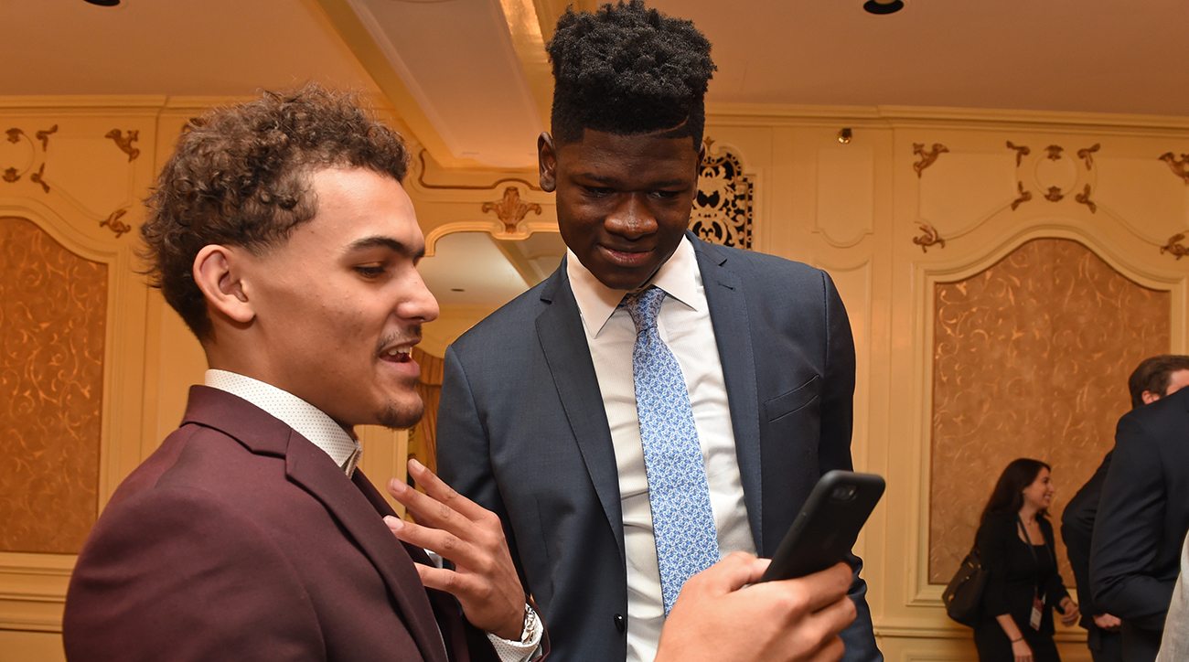 Trae_young_and_mo_bamba_laughin