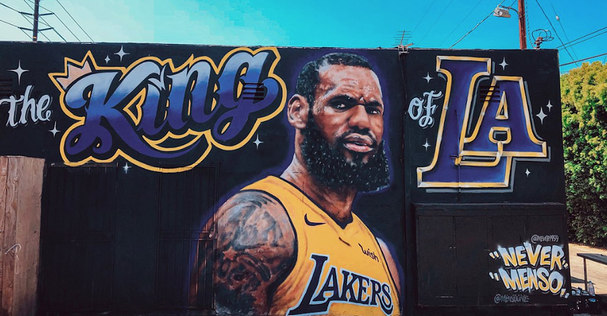 LeBron James 'King of LA' Mural Vandalized After Fan Offers $300  to Alter it