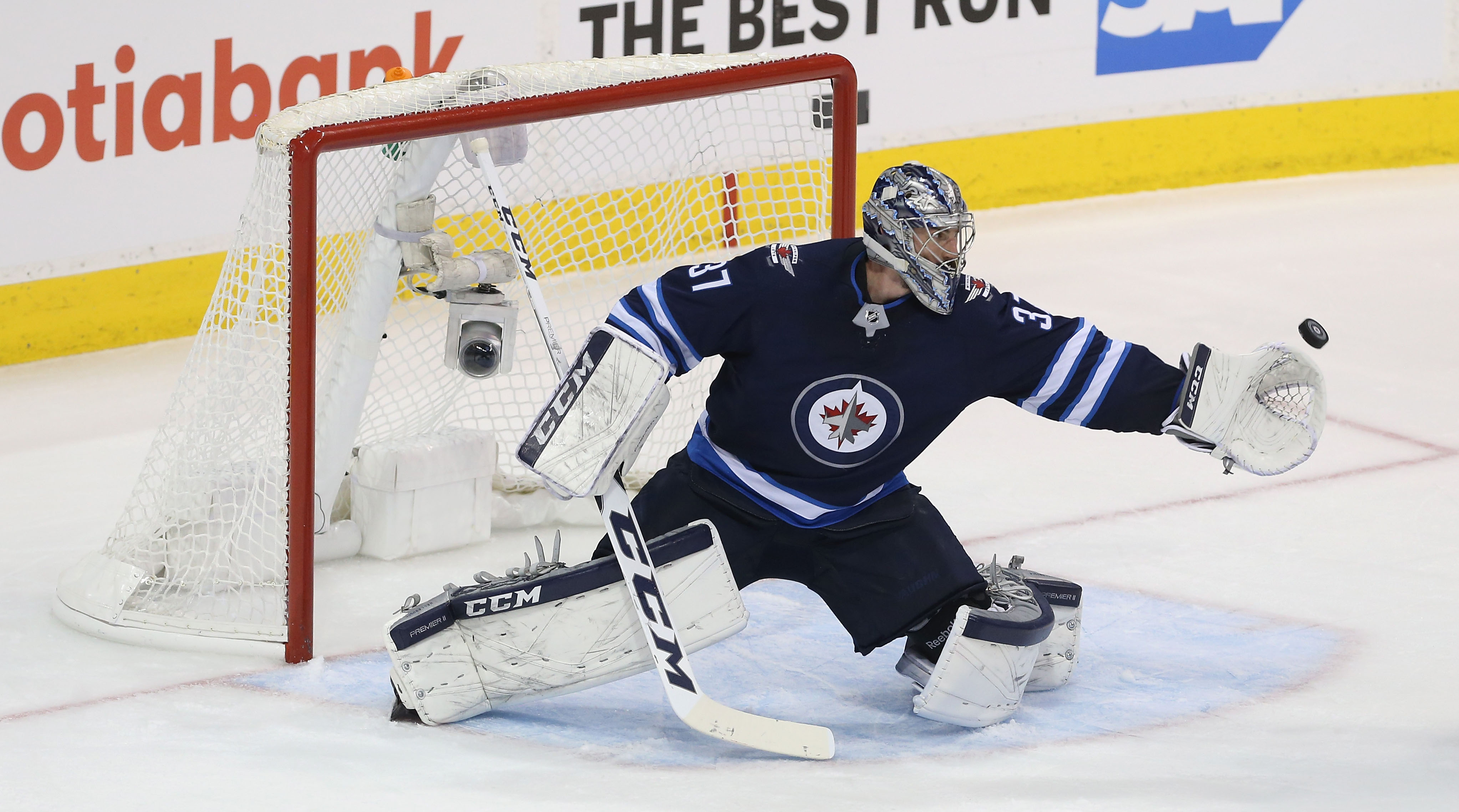 Connor-hellebuyck-contract-extension