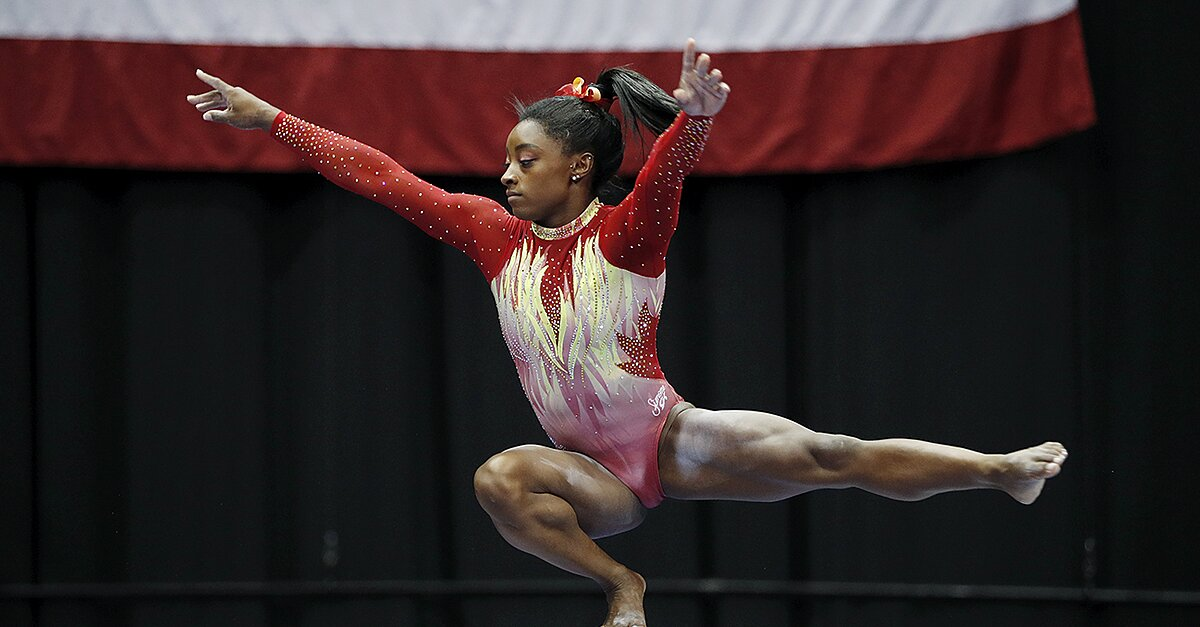 Biles earns first place in U.S. Classic