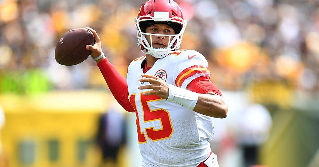 Chiefs' Patrick Mahomes throws six TDs vs. Steelers, sets record | SI.com