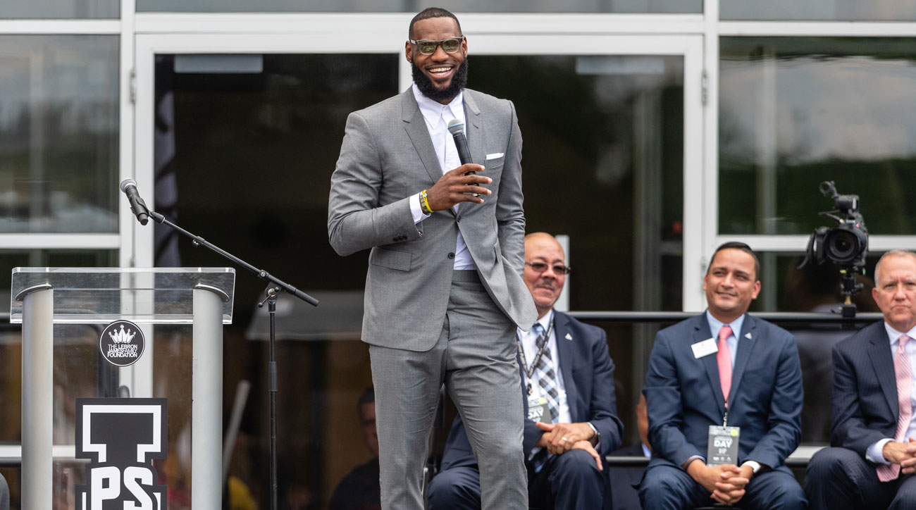 Lebron-not-bothered-by-trumps-insults