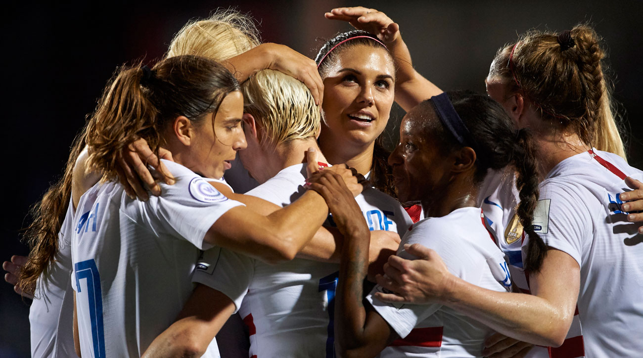 LIVE: Lavelle Gives USWNT Early Lead vs. Canada in Concacaf Title Match