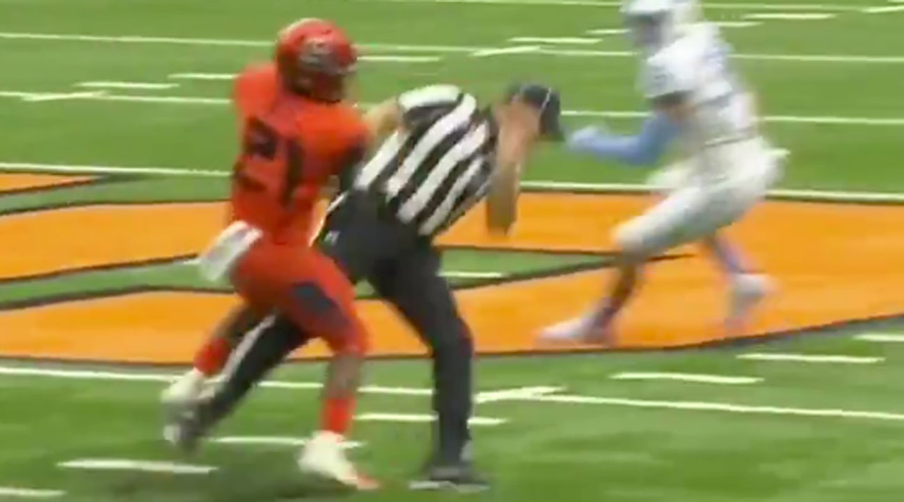 Watch: Syracuse Running Back Absolutely Trucks Official in Accidental Collision