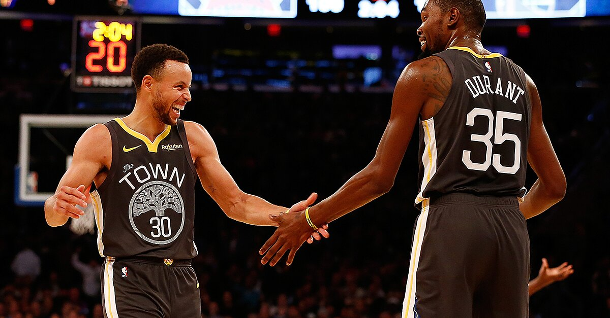 Stephen Curry and the Warriors are having fun again