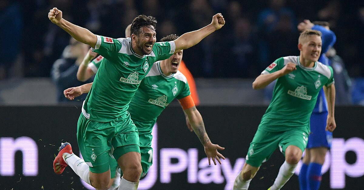 WATCH: Claudio Pizarro Nets Late to Become Bundesliga's Oldest Goalscorer