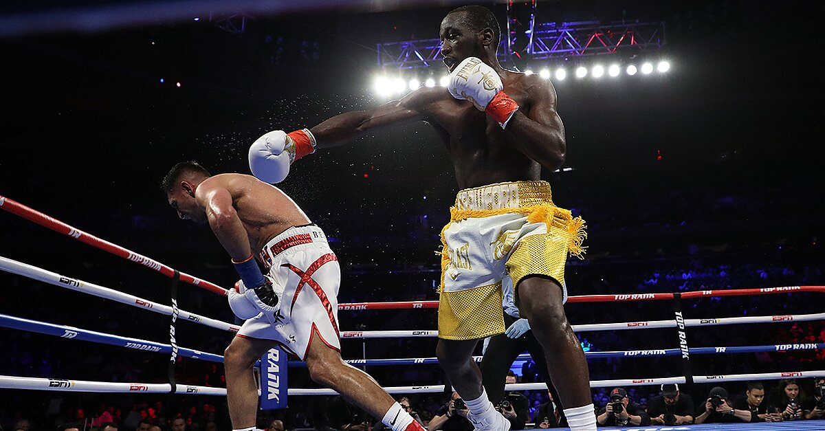 Amir Khan's Loss to Terence Crawford Isn't Stunning—It's How it Happened - Sports Illustrated image