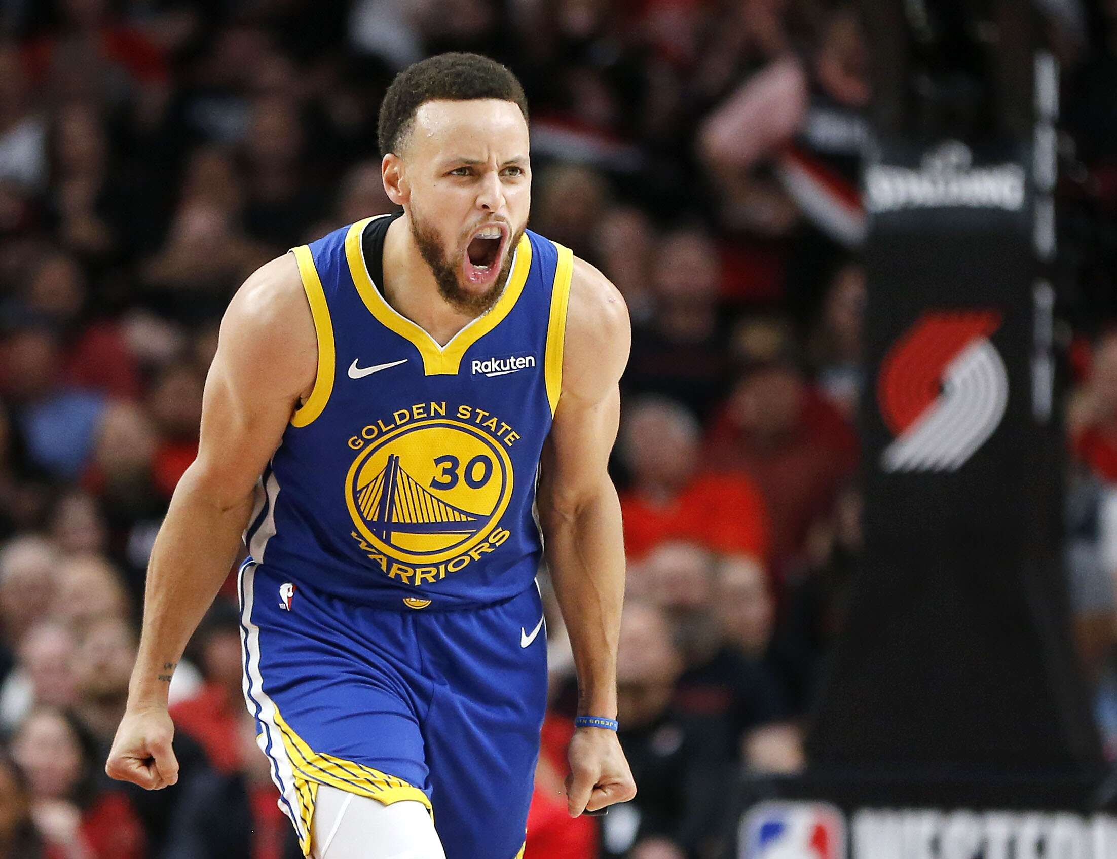 450542465757 Stephen Curry is producing a vintage performance in Kevin Durant s absence