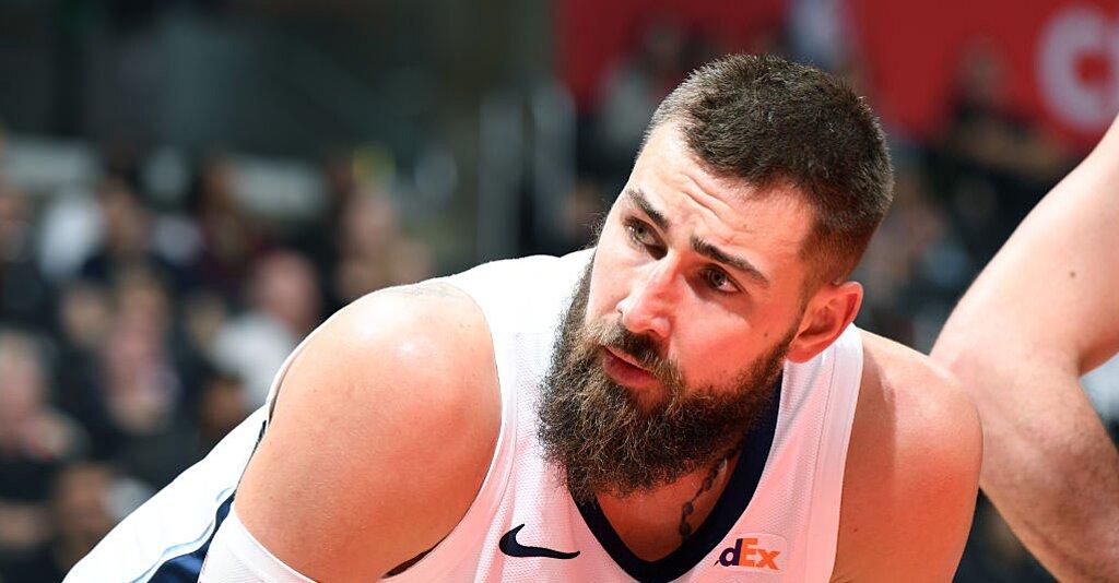 Report: Grizzlies' Jonas Valanciunas to Decline $17.6M Option on 2019-20 Contract