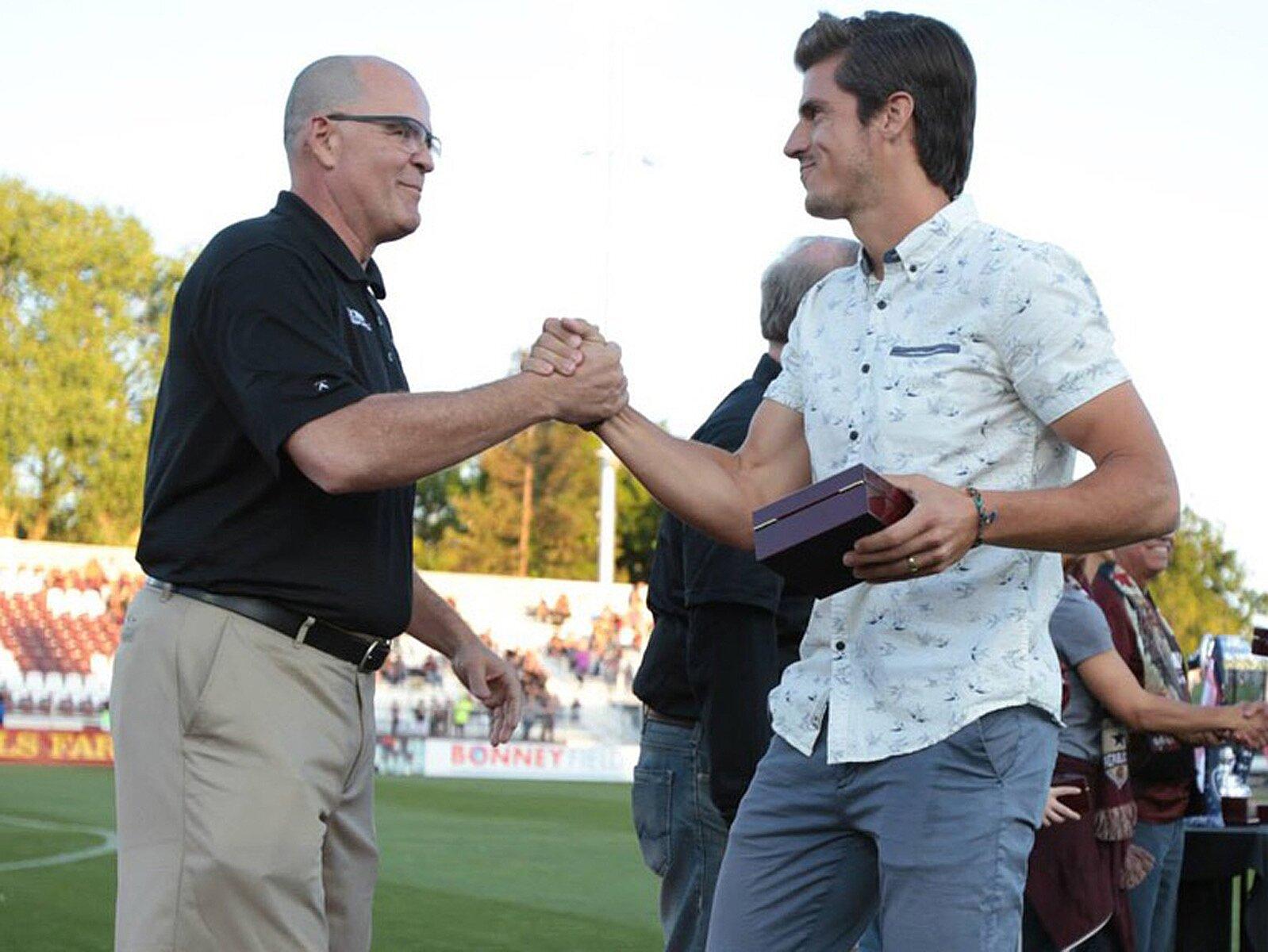 USL in San Diego: Landon Donovan, Warren Smith pair to start