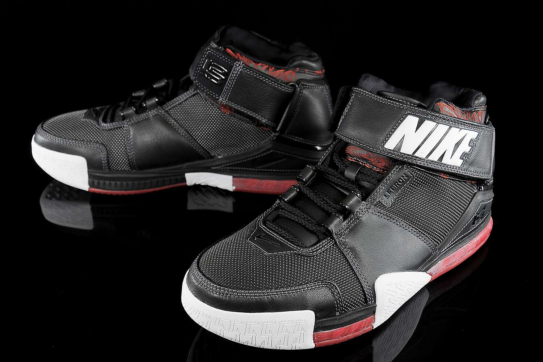 newest 468cf 8cea3 History of LeBron James' signature shoes | SI.com