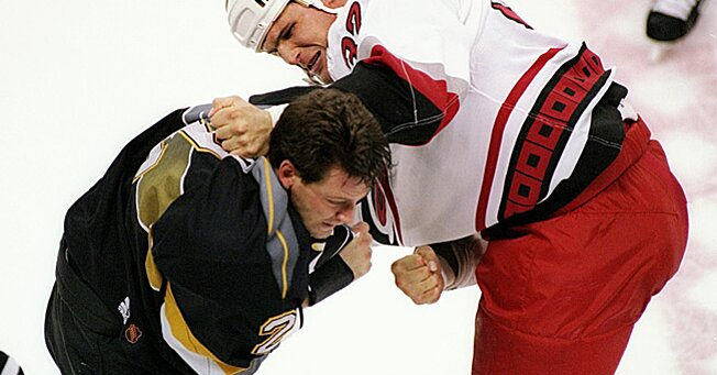 how to fight in hockey successfully