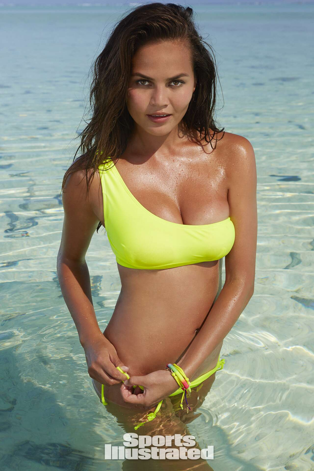 Chrissy Teigen 2014: Cook Islands