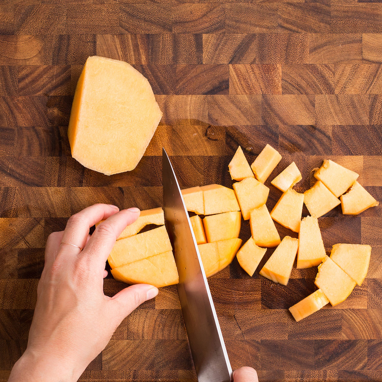 Here's the Best Way to Cut a Cantaloupe