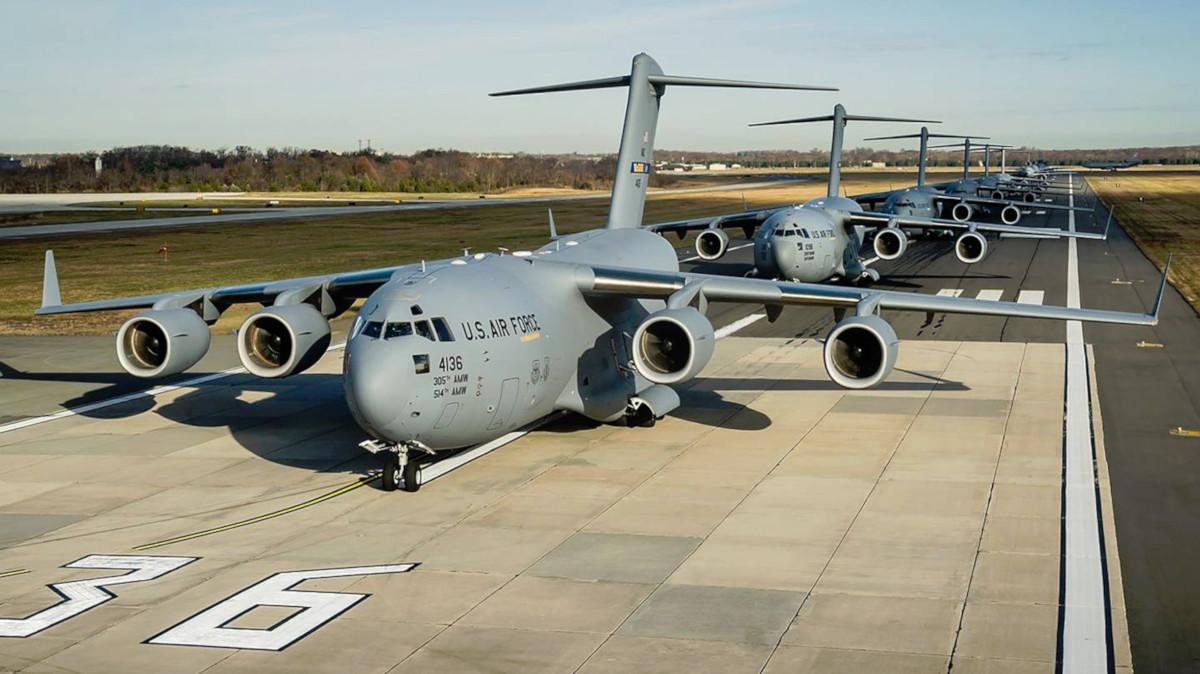 US Air Force C-17s.