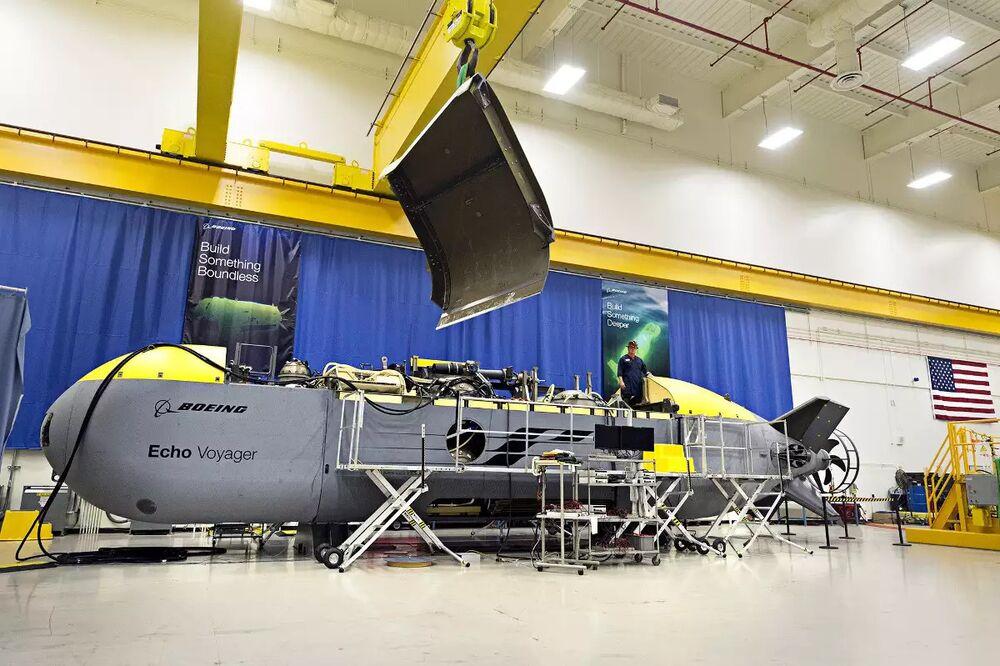 Boeing experimental Echo Voyager.